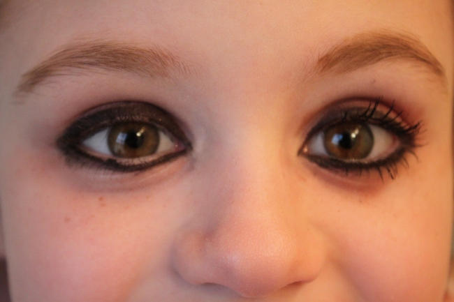 What a difference mascara makes!  Right eye with mascara.  Left eye without.