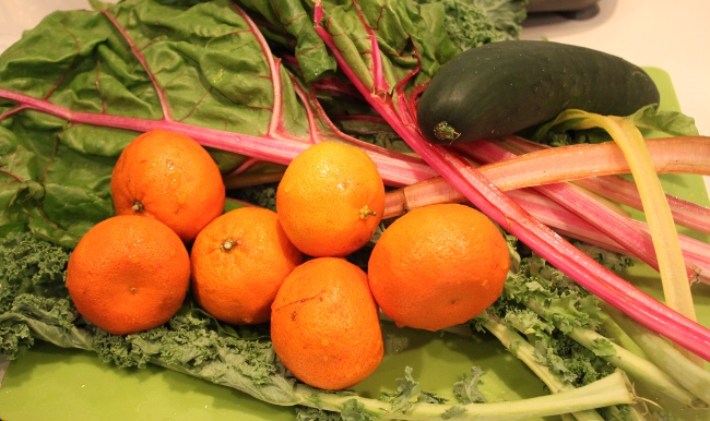 "Ingredients for ""Citrus-Inspired Green Juice."""