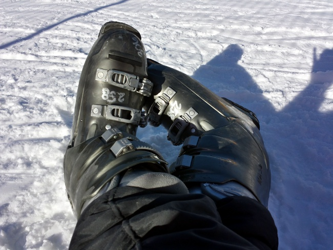 2014-05-08-crossedskiboots