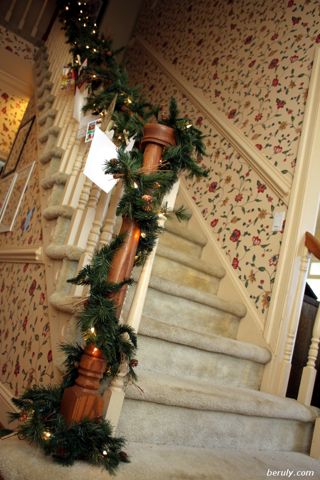 Staircase garland up!