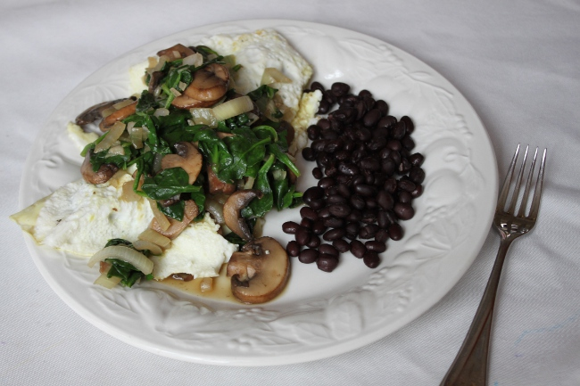 The spinach muschroom egg white omelet (with black beans because I was hungry).