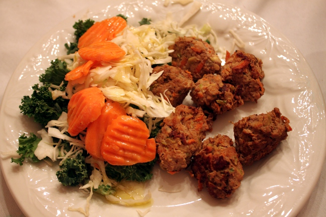 For dinner, we had Jessica Alba's meatballs along with a simple salad of kale, cabbage and carrots with the leftover balsamic lime vinaigrette.  Everyone devoured the meatballs, including the children!