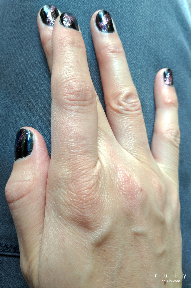 black fingernail polish