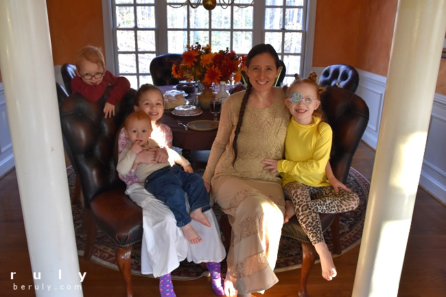 Anne and kids at Thanksgiving table